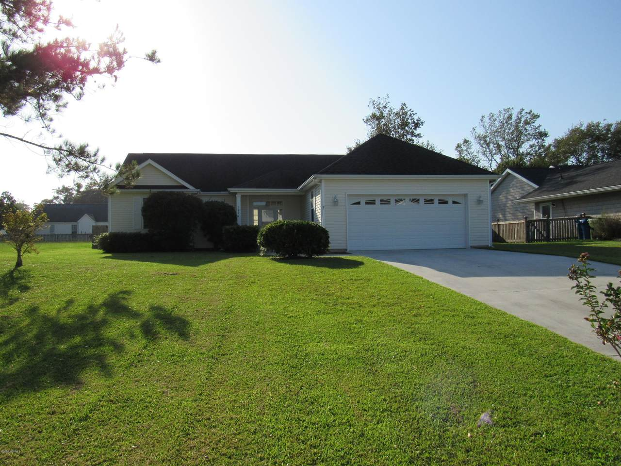 302 Whirl Away Boulevard - Photo 1