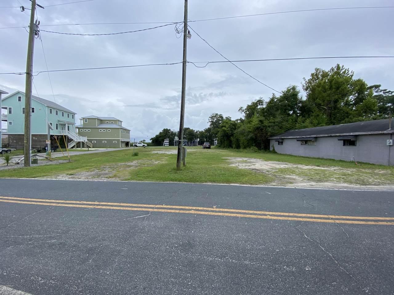 1050 Seabreeze Road - Photo 1