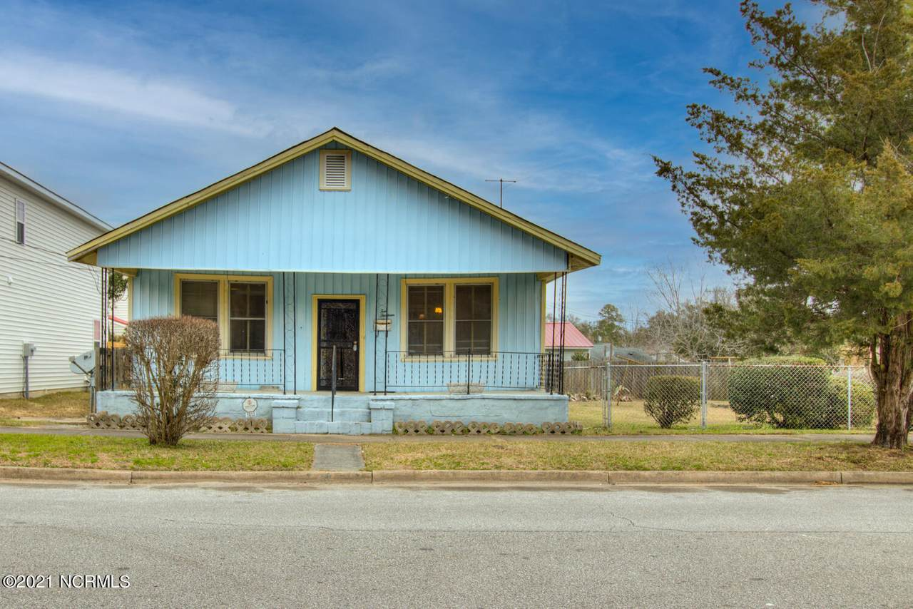 1013 Campbell Street - Photo 1