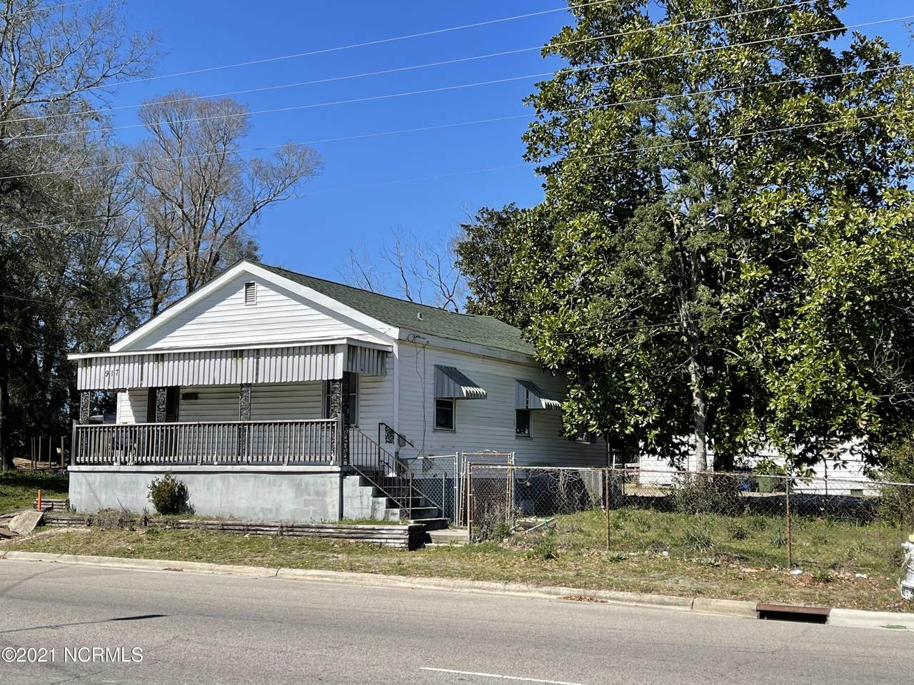 917 Wooster Street - Photo 1
