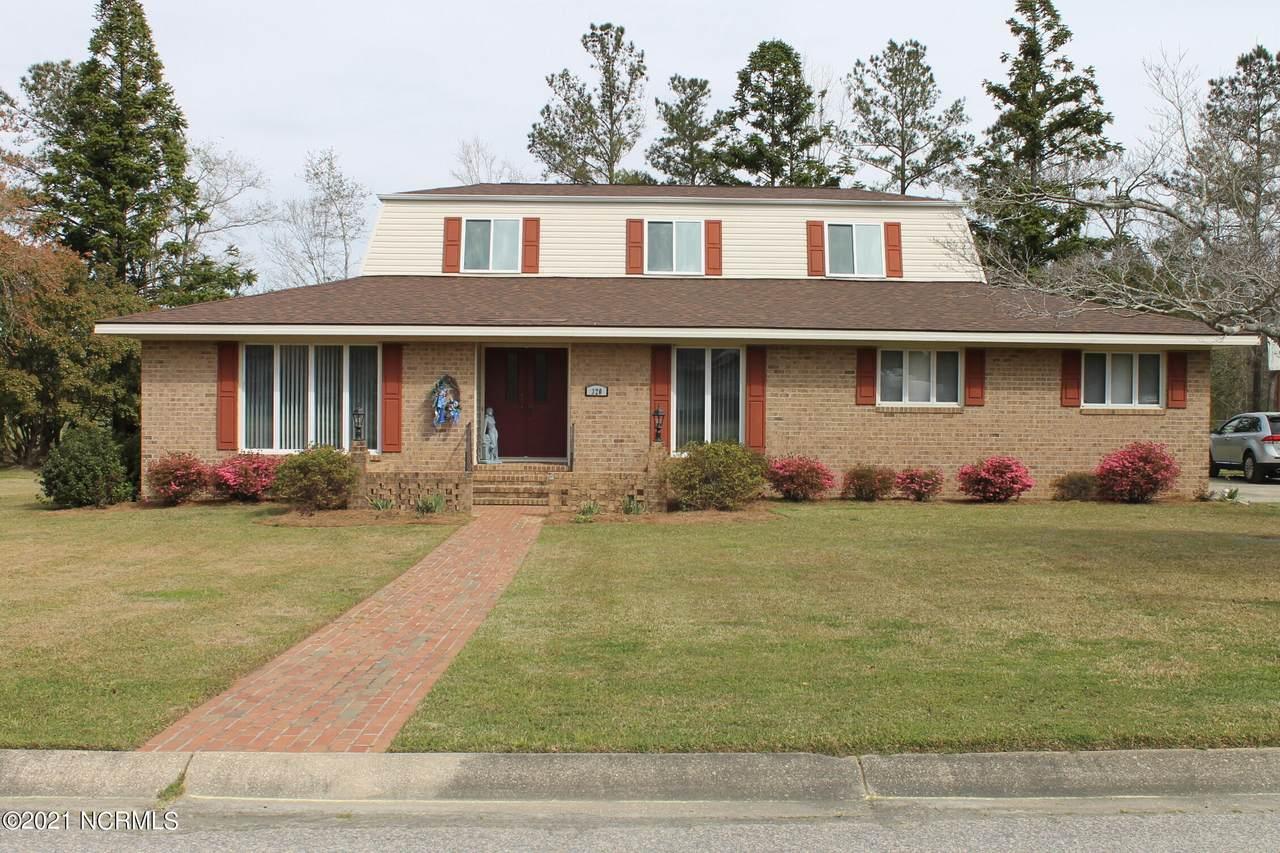 320 Pinecrest Drive - Photo 1