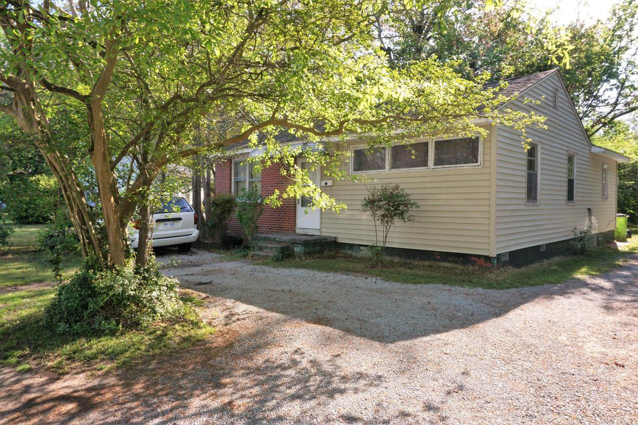 1102 Simmons Street - Photo 1