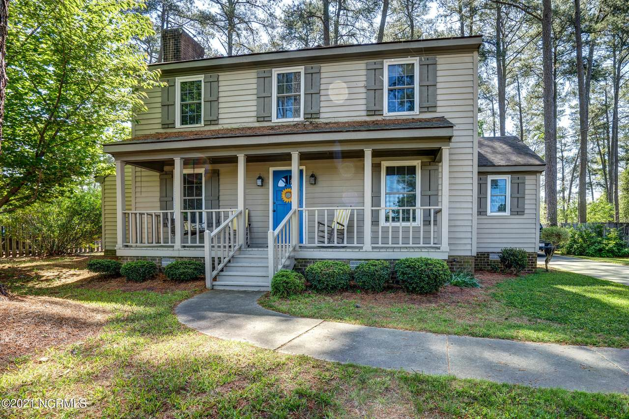 1617 Country Club Road - Photo 1