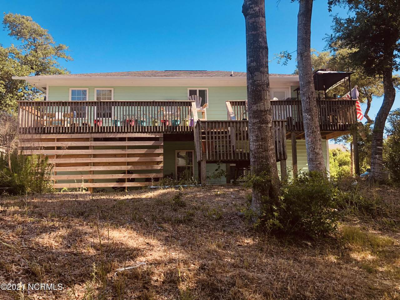 204 Holly Court - Photo 1
