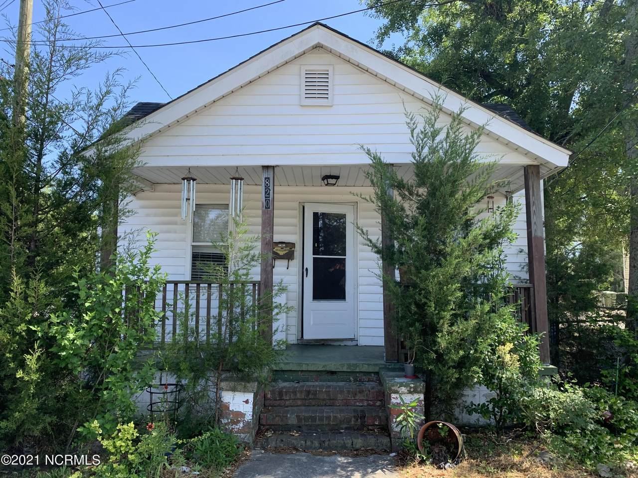 820 Wooster Street - Photo 1