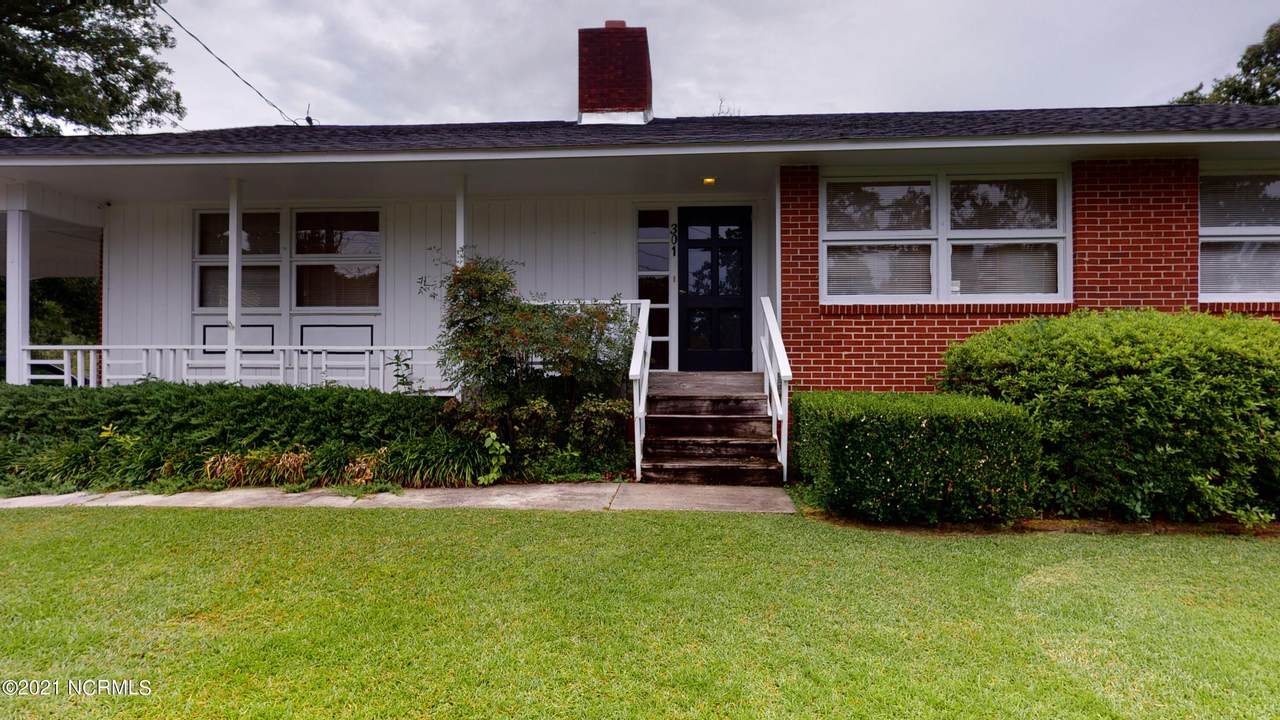 301 Woodview Court - Photo 1