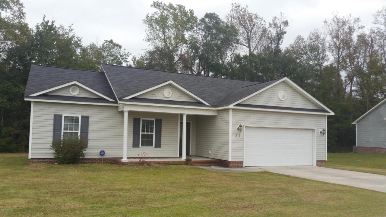 213 Channel Marker Loop, Swansboro, NC 28584 (MLS #100032606) :: Century 21 Sweyer & Associates