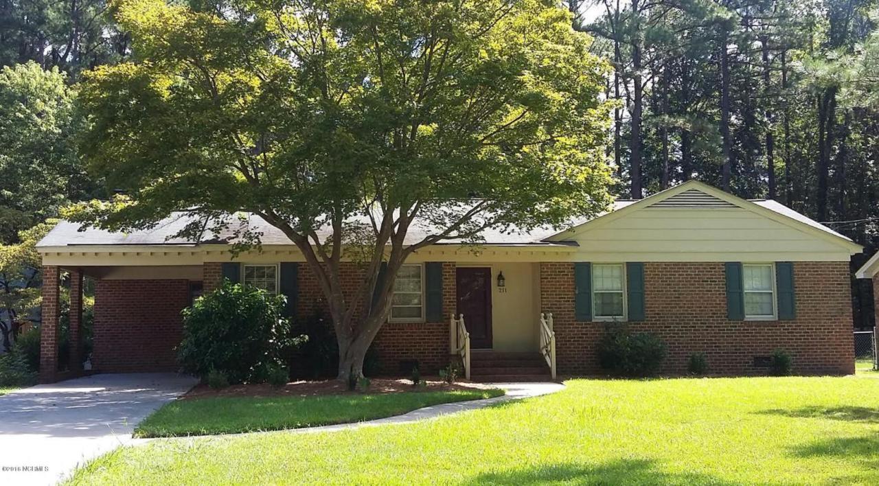 211 Crestline Boulevard, Greenville, NC 27834 (MLS #60053588) :: Century 21 Sweyer & Associates