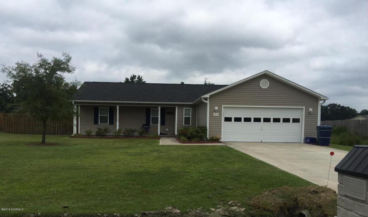 212 Hackney Ridge Lane, Jacksonville, NC 28540 (MLS #80175944) :: Century 21 Sweyer & Associates