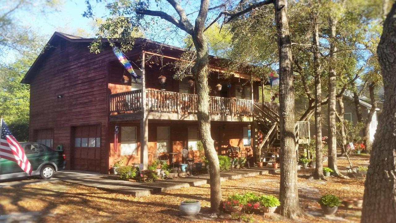 113 NW 24th Street, Oak Island, NC 28465 (MLS #100032562) :: Century 21 Sweyer & Associates