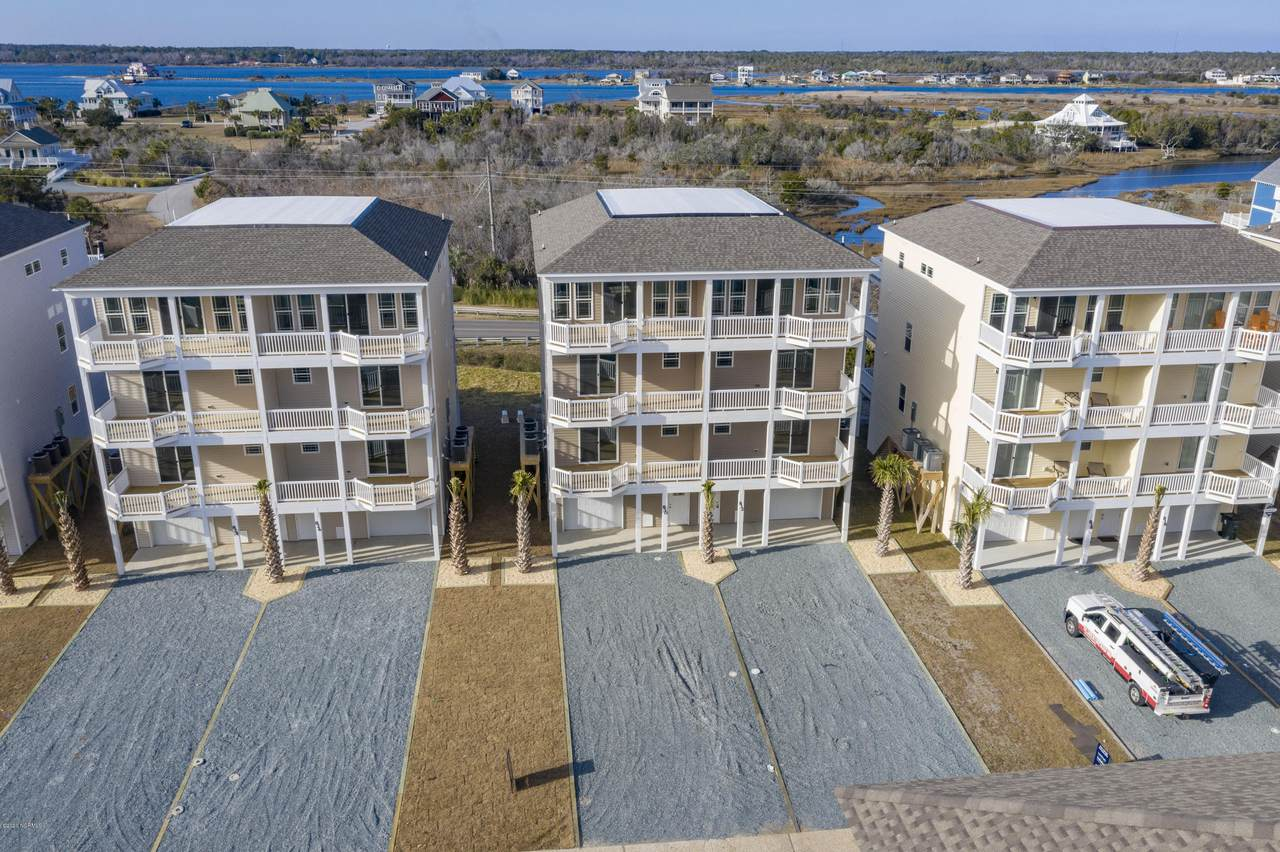 832 Villas Drive - Photo 1