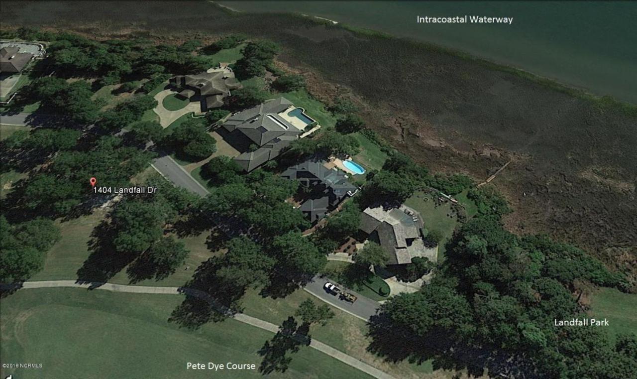 1404 Landfall Drive, Wilmington, NC 28405 (MLS #30519351) :: Century 21 Sweyer & Associates