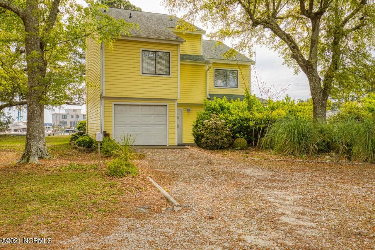 150 Old Ferry Road - Photo 1