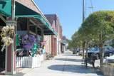 607 Howe Street - Photo 2