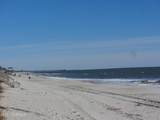 942 Fort Fisher Boulevard - Photo 12