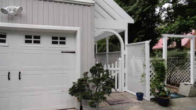 209 E Palmer Drive, New Bern, NC 28560 (MLS #100069463) :: Century 21 Sweyer & Associates