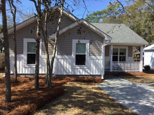 305 NE 50th Street, Oak Island, NC 28465 (MLS #100101814) :: Century 21 Sweyer & Associates