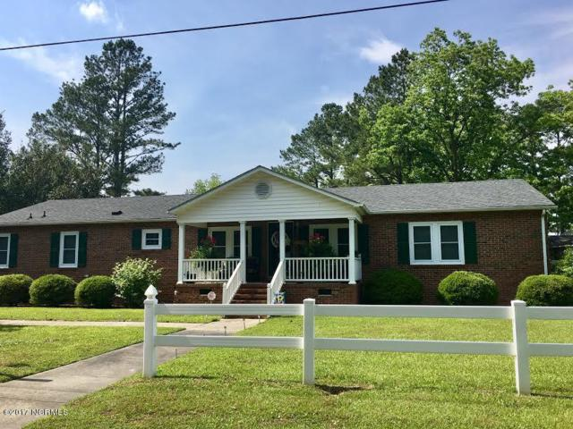 604 Sanders Street, Clinton, NC 28328 (MLS #100107595) :: The Bob Williams Team