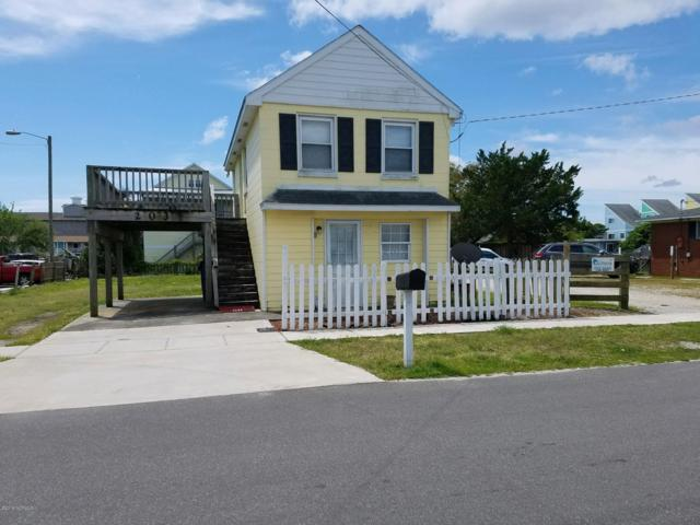 203 Hamlet Avenue, Carolina Beach, NC 28428 (MLS #100161056) :: Vance Young and Associates