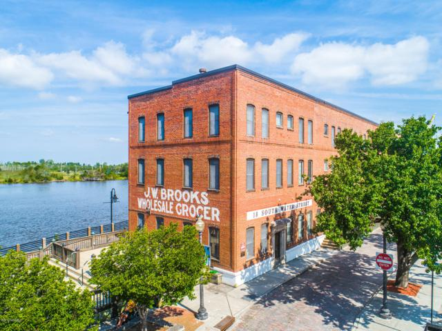 18 S Water Street #6, Wilmington, NC 28401 (MLS #100176334) :: Barefoot-Chandler & Associates LLC