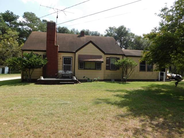703 S Patterson Street, Maxton, NC 28364 (MLS #100185810) :: Castro Real Estate Team