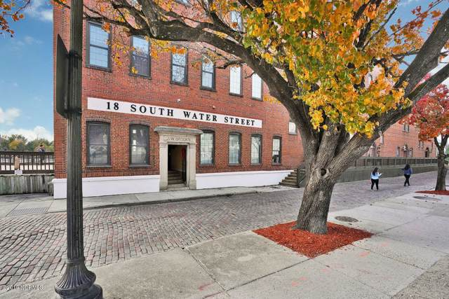 18 S Water Street #8, Wilmington, NC 28401 (MLS #100195001) :: Donna & Team New Bern