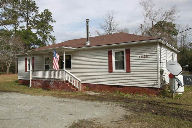 4526 Old Cherry Point Road, New Bern, NC 28560 (MLS #100205141) :: The Tingen Team- Berkshire Hathaway HomeServices Prime Properties