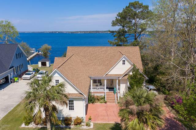 695 White Oak Crossing, Swansboro, NC 28584 (MLS #100217393) :: Frost Real Estate Team