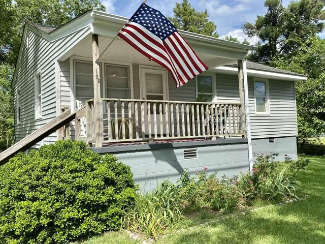 3106 Oaks Road, New Bern, NC 28560 (MLS #100223797) :: Courtney Carter Homes