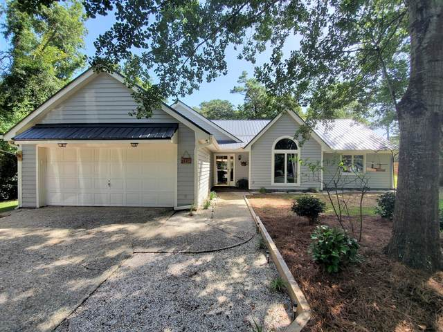 148 Pine Needle Drive, Hampstead, NC 28443 (MLS #100229805) :: Castro Real Estate Team