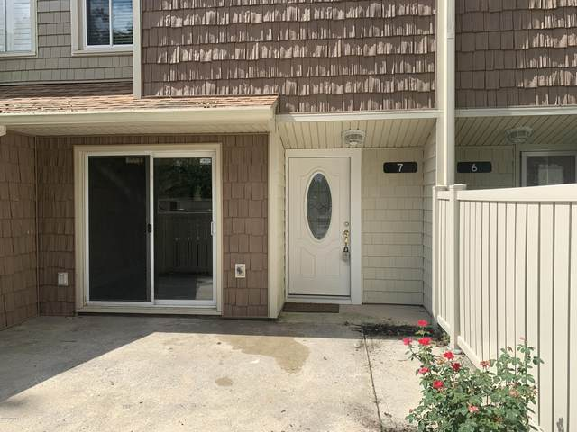 7 Quarterdeck Townes, New Bern, NC 28562 (MLS #100230616) :: The Tingen Team- Berkshire Hathaway HomeServices Prime Properties