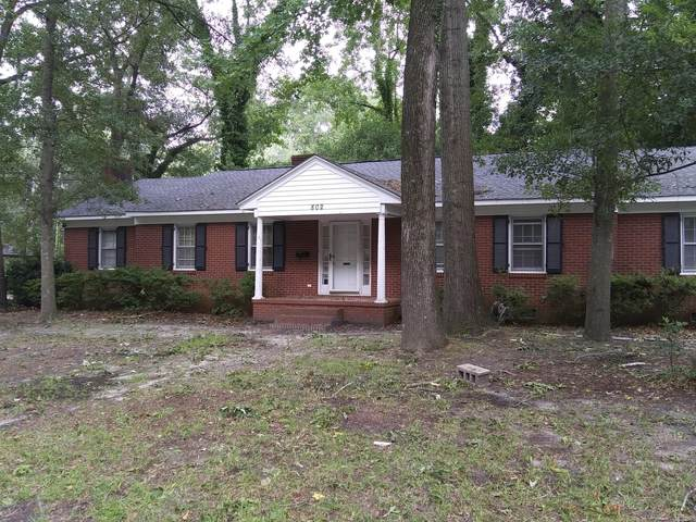 802 Forest Hills Circle, Greenville, NC 27858 (MLS #100231437) :: Berkshire Hathaway HomeServices Prime Properties