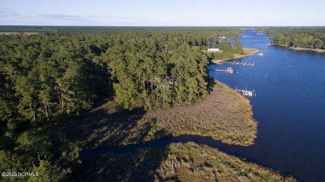 37 Shore Drive W, Oriental, NC 28571 (MLS #100250547) :: The Tingen Team- Berkshire Hathaway HomeServices Prime Properties