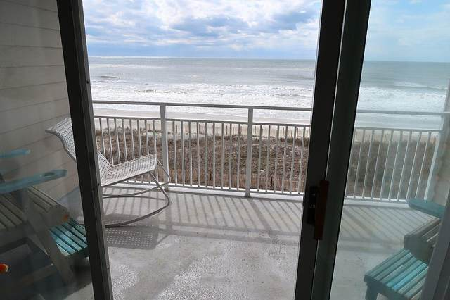 27 Ocean Isle West Boulevard 3 D, Ocean Isle Beach, NC 28469 (MLS #100266790) :: The Oceanaire Realty