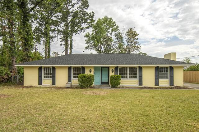 303 Fairview Drive, Beaufort, NC 28516 (MLS #100271727) :: Castro Real Estate Team