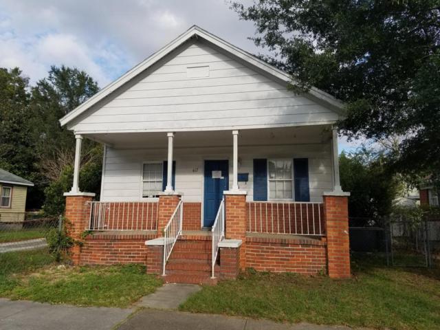 617 S 14th Street, Wilmington, NC 28401 (MLS #100085958) :: David Cummings Real Estate Team