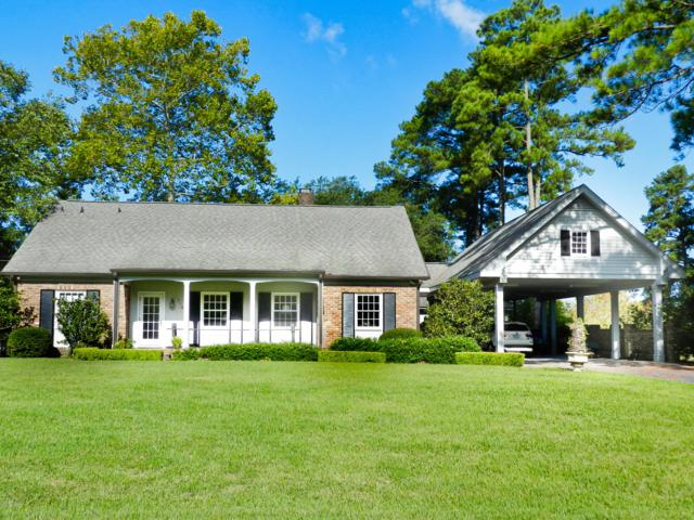 218 Country Club Drive Drive, Greenville, NC 27834 (MLS #100139196) :: The Bob Williams Team
