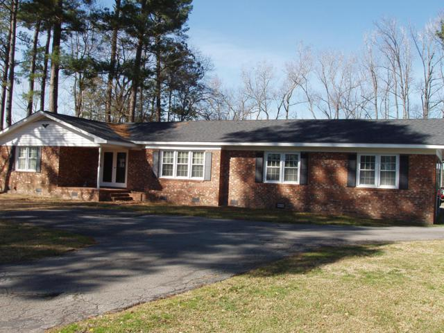 3669 Hillcrest Drive, Farmville, NC 27828 (MLS #100150341) :: Berkshire Hathaway HomeServices Prime Properties