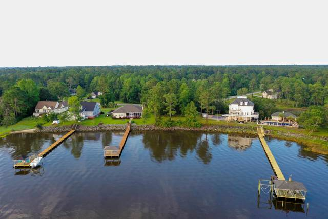 687 White Oak Crossing, Swansboro, NC 28584 (MLS #100213443) :: Frost Real Estate Team