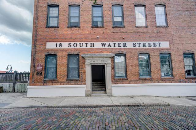 18 S Water Street #10, Wilmington, NC 28401 (MLS #100219565) :: David Cummings Real Estate Team