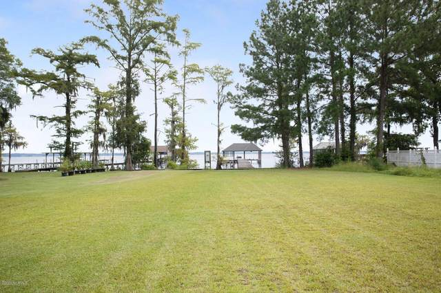 1915 Waccamaw Shores Road, Lake Waccamaw, NC 28450 (MLS #100229675) :: The Keith Beatty Team