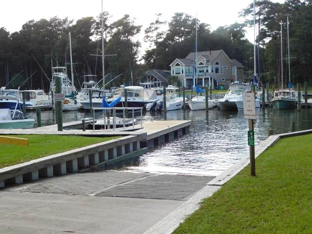 156 Mimosa Boulevard, Pine Knoll Shores, NC 28512 (MLS #100086118) :: Frost Real Estate Team