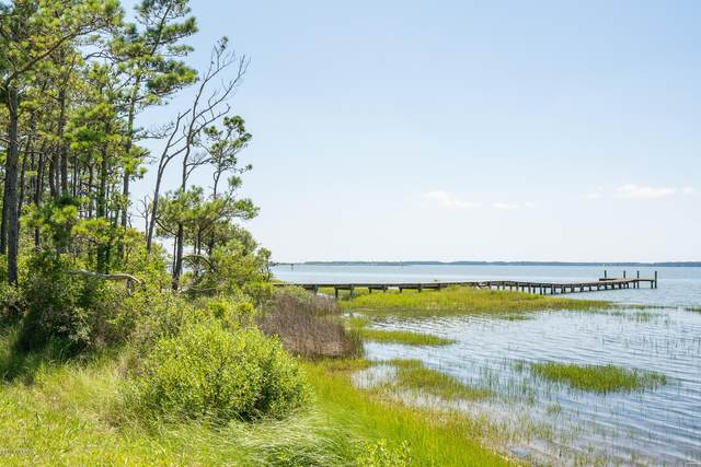 995 Crow Hill Road, Beaufort, NC 28516 (MLS #100120368) :: Vance Young and Associates