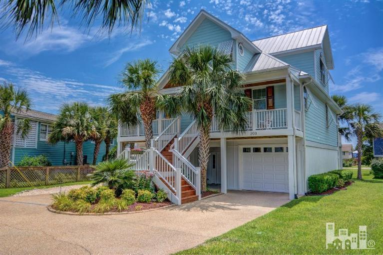 209 Georgia Avenue, Carolina Beach, NC 28428 (MLS #100007916) :: Century 21 Sweyer & Associates