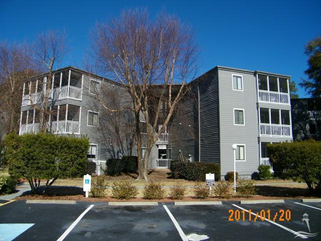 10166 Beach Drive SW #205, Carolina Shores, NC 28467 (MLS #100009106) :: Century 21 Sweyer & Associates