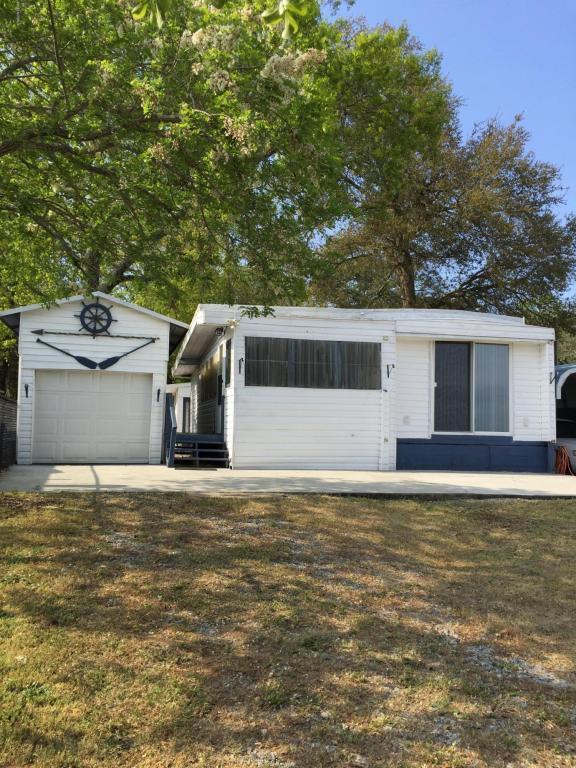 7703 E Yacht Drive, Oak Island, NC 28465 (MLS #100010346) :: Century 21 Sweyer & Associates