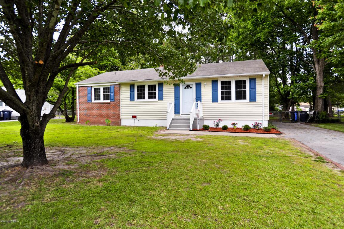 802 Barn Street, Jacksonville, NC 28540 (MLS #100013763) :: Century 21 Sweyer & Associates