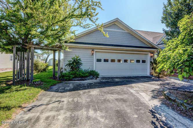 4053 Waccamaw Shores Road, Lake Waccamaw, NC 28450 (MLS #100013984) :: Century 21 Sweyer & Associates