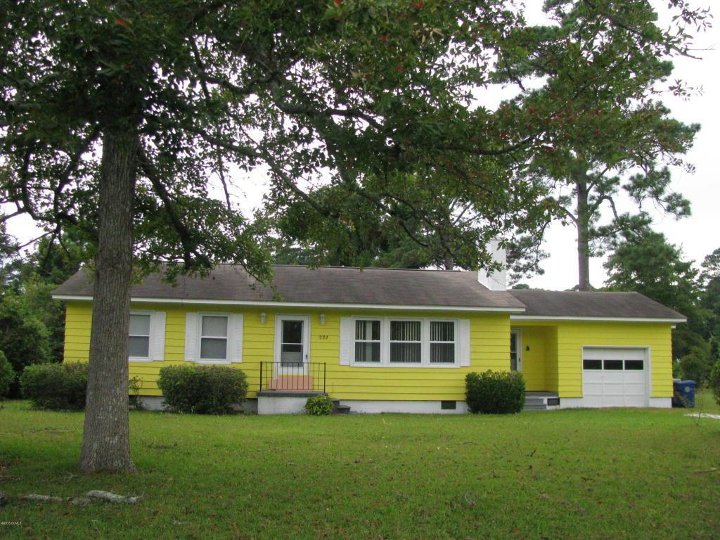222 Rochelle Drive, Morehead City, NC 28557 (MLS #100015232) :: Century 21 Sweyer & Associates