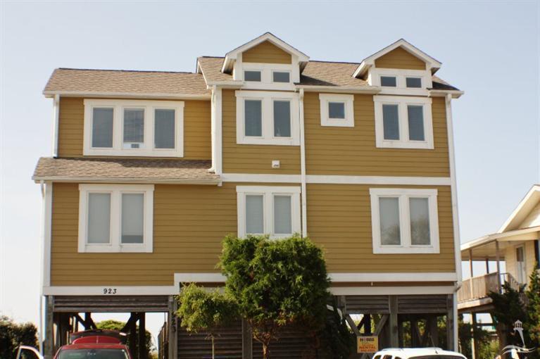 923 Ocean Boulevard W, Holden Beach, NC 28462 (MLS #100016658) :: Century 21 Sweyer & Associates